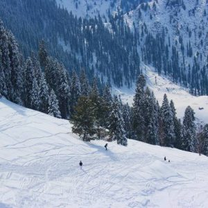 malam-jabba-skiing
